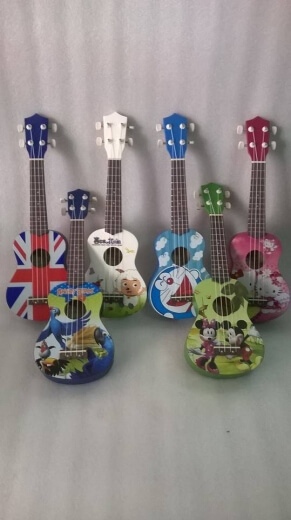 Đàn ukulele 022